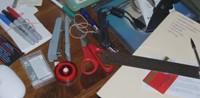 Geen concentratie bij rommelig bureau Afleiding en concentratieverlies door spullen